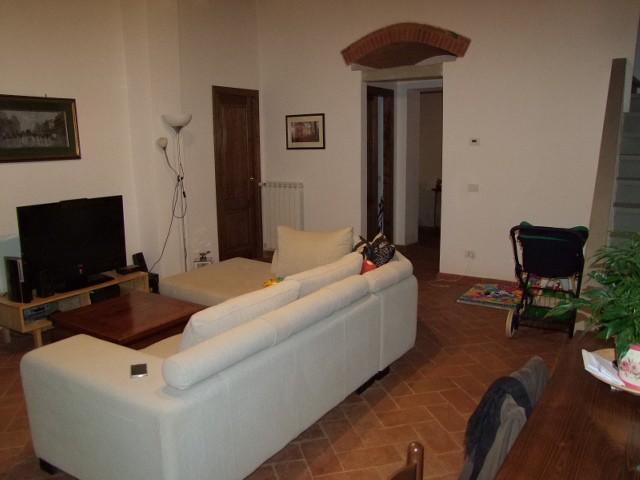 Soluzione Indipendente in vendita a Rignano sull'Arno, 6 locali, prezzo € 430.000 | CambioCasa.it