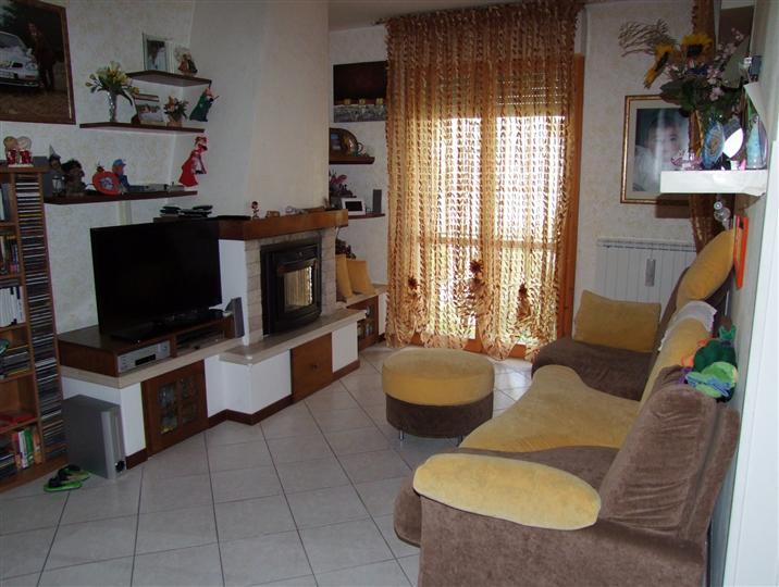 Appartamento a DICOMANO 3 - Vani  - Garage