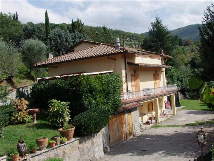 Villa in vendita a Londa, 12 locali, prezzo € 550.000 | CambioCasa.it