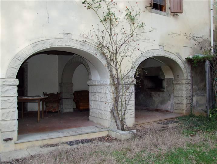 Villa in vendita a Londa, 8 locali, prezzo € 400.000 | CambioCasa.it