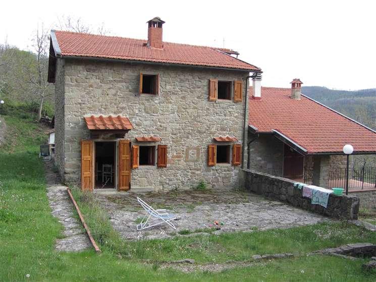 Soluzione Indipendente in vendita a Londa, 7 locali, zona Zona: Bucigna, prezzo € 197.000 | Cambio Casa.it