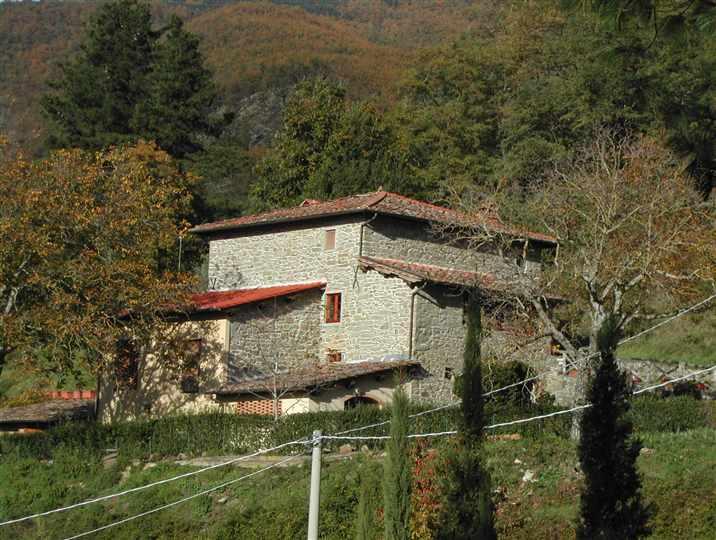 Casa colonica londa cerca case coloniche a londa for Esterno di colonica industriale