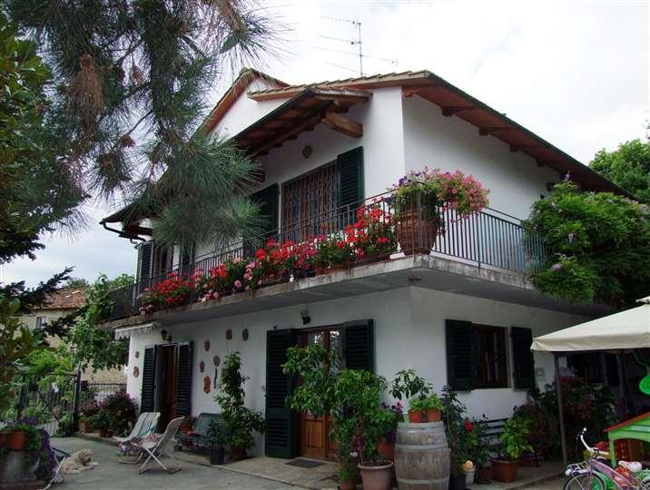 Villa in vendita a Rufina, 6 locali, prezzo € 270.000 | Cambio Casa.it