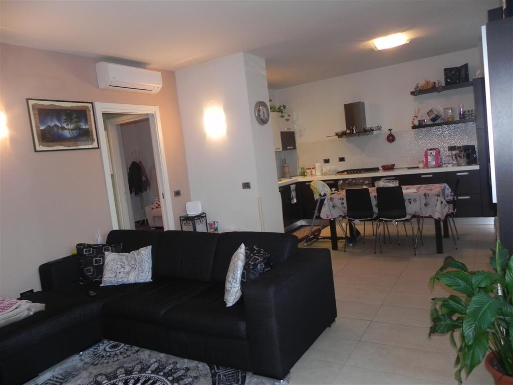 Appartamento in vendita a Londa, 4 locali, prezzo € 165.000   Cambio Casa.it