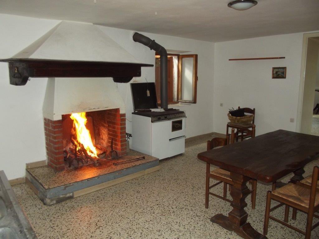 Soluzione Indipendente in vendita a Dicomano, 4 locali, zona Zona: Corella, prezzo € 70.000 | Cambio Casa.it