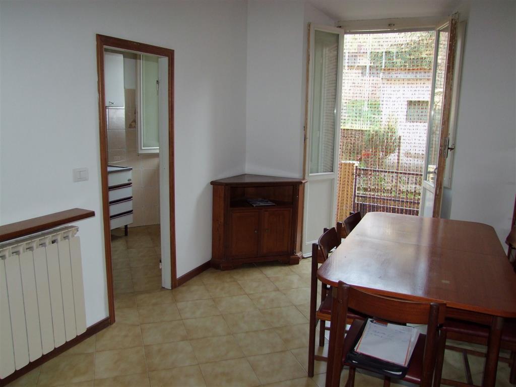 Appartamento a DICOMANO 3 Vani - Giardino