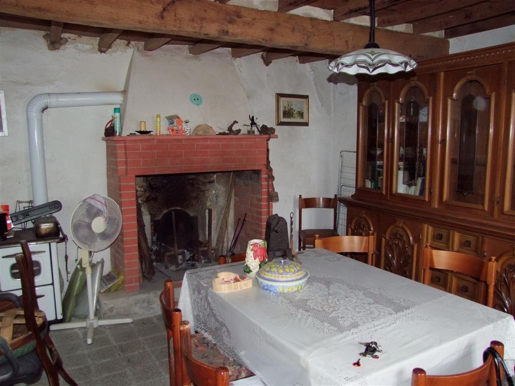 Soluzione Indipendente in vendita a Dicomano, 2 locali, zona Zona: Corella, prezzo € 45.000 | Cambio Casa.it