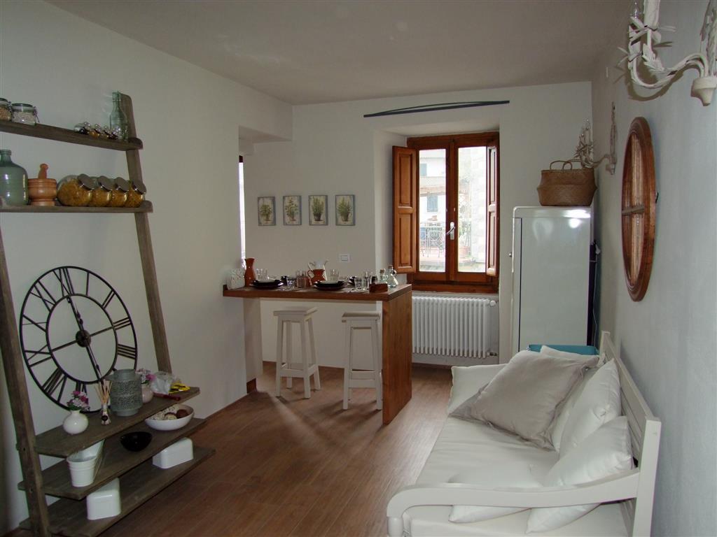 Appartamento in vendita a Londa, 2 locali, prezzo € 97.000   Cambio Casa.it