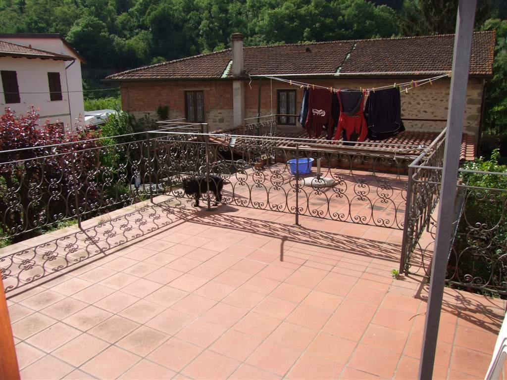 Appartamento in affitto a Rufina, 2 locali, zona Zona: Contea (Casini), prezzo € 380 | CambioCasa.it