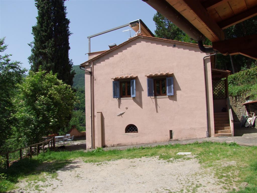 Villa in vendita a Londa, 3 locali, prezzo € 125.000 | CambioCasa.it