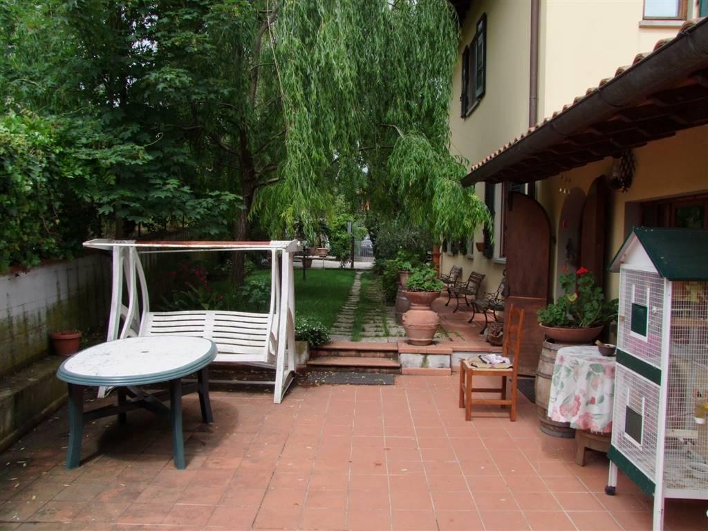 Villa a DICOMANO 5 Vani - Giardino