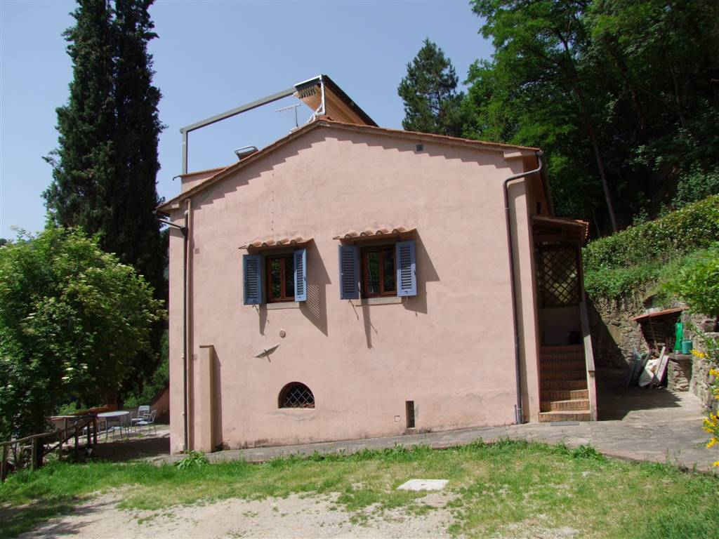 Villa in affitto a Londa, 3 locali, prezzo € 400 | Cambio Casa.it