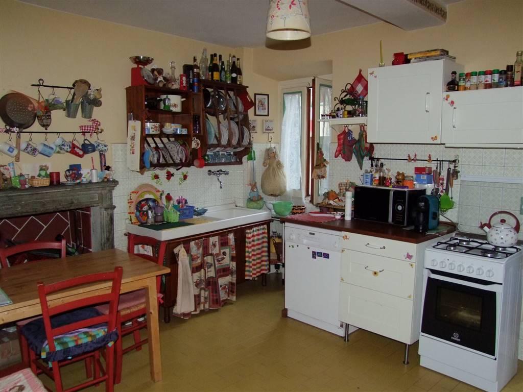 Appartamento in vendita a Londa, 2 locali, prezzo € 80.000   Cambio Casa.it