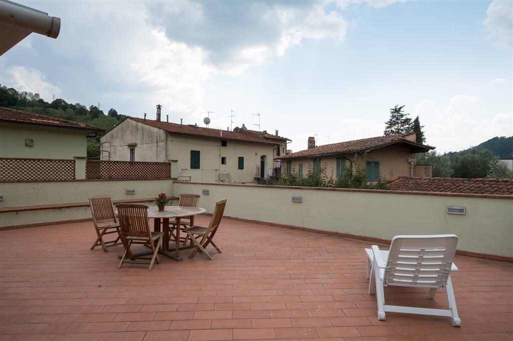 Appartamento in vendita a Rufina, 4 locali, zona Zona: Scopeti, prezzo € 185.000 | Cambio Casa.it