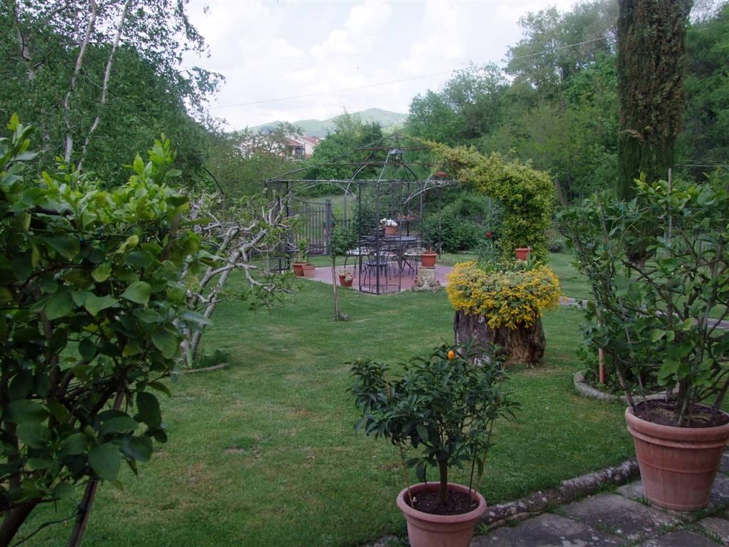 Villa in vendita a Rufina, 13 locali, prezzo € 530.000 | Cambio Casa.it