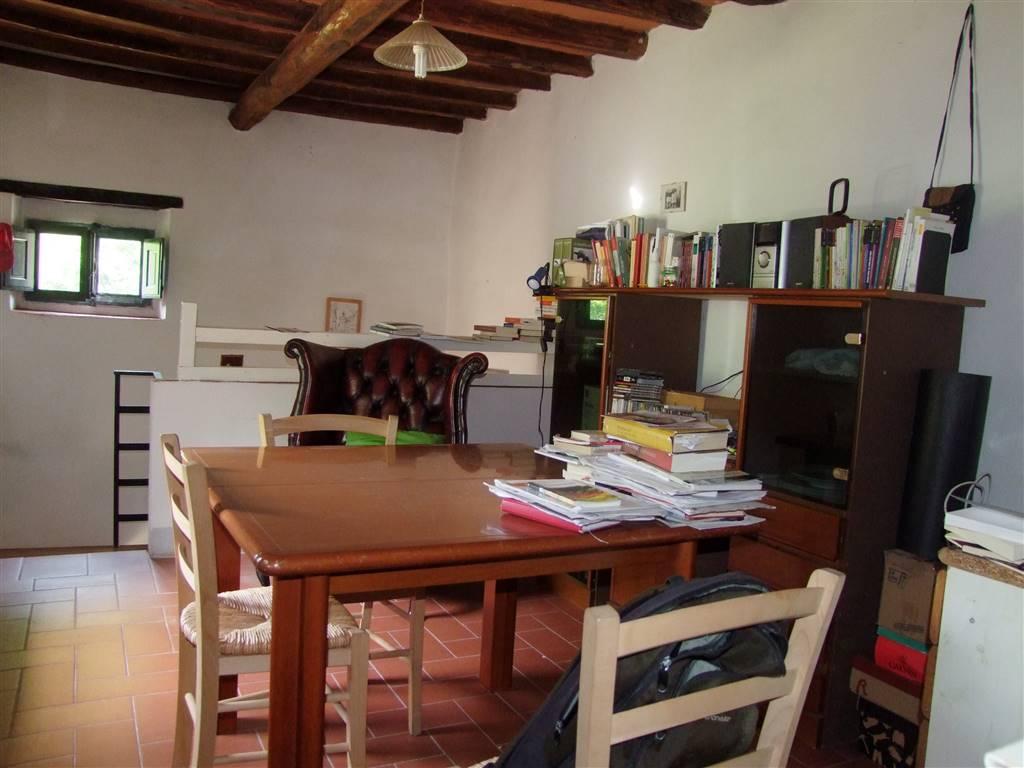 Soluzione Indipendente in affitto a Londa, 4 locali, prezzo € 380 | CambioCasa.it