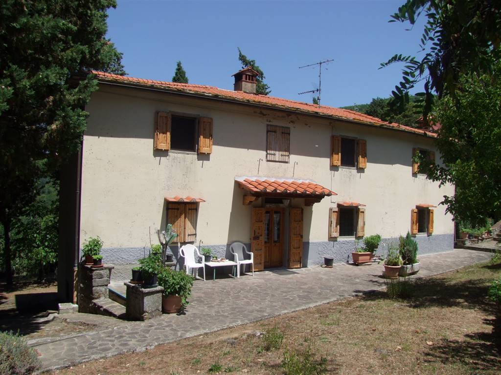 Soluzione Indipendente in vendita a Londa, 7 locali, zona Zona: Vierle (Chiesa), prezzo € 250.000 | CambioCasa.it