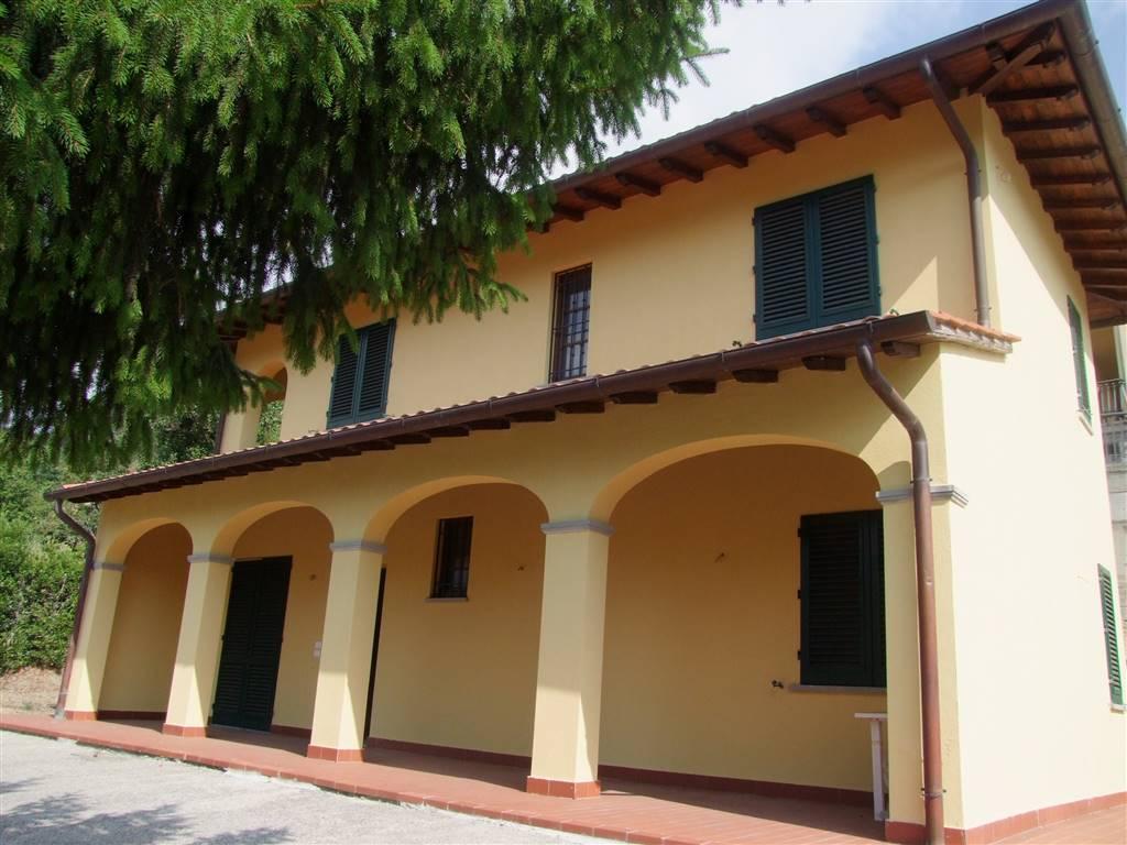 Villa in affitto a Dicomano, 5 locali, prezzo € 950 | CambioCasa.it