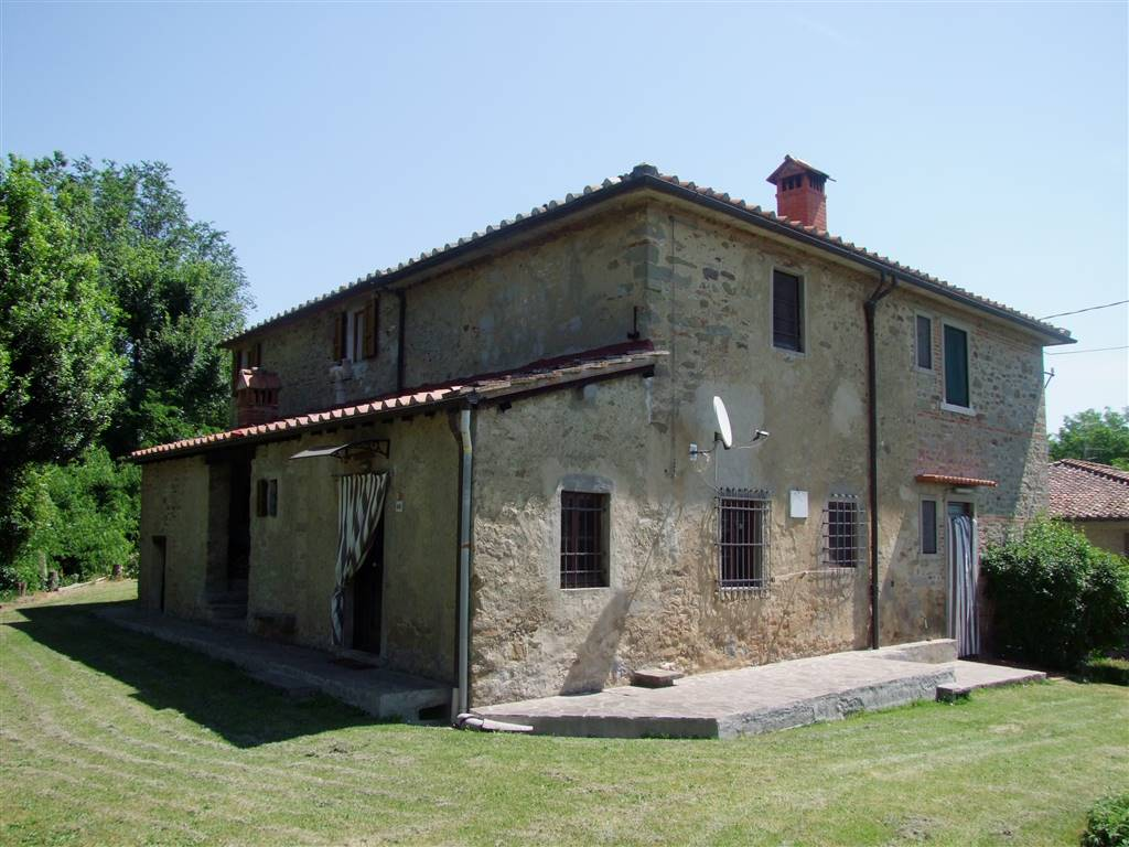 Soluzione Indipendente in vendita a Vicchio, 10 locali, zona Località: RUPECANINA, prezzo € 220.000 | CambioCasa.it