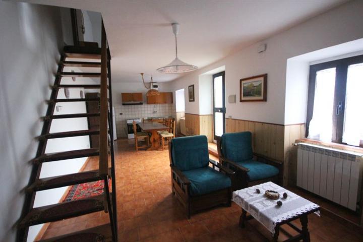 Soluzione Indipendente in vendita a Firenzuola, 4 locali, zona Località: RIFREDO, prezzo € 60.000 | Cambio Casa.it