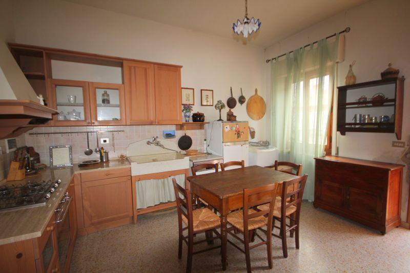 Appartamento in vendita a San Casciano in Val di Pesa, 4 locali, zona Zona: Talente, prezzo € 200.000 | Cambio Casa.it