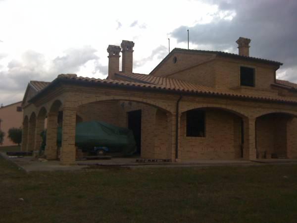 Villa in vendita a Civitanova Marche, 6 locali, prezzo € 690.000   Cambio Casa.it