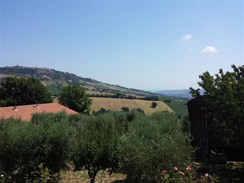Soluzione Indipendente in vendita a Monterubbiano, 9 locali, zona Zona: Montotto, prezzo € 280.000 | CambioCasa.it
