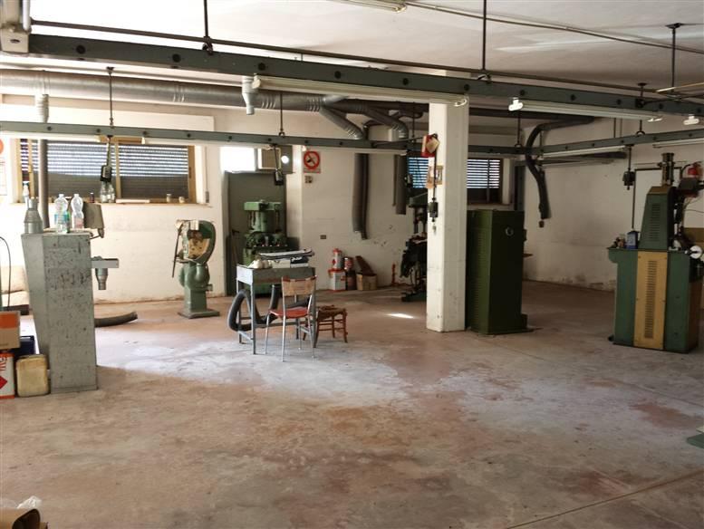 Laboratorio in affitto a Fermo, 9999 locali, prezzo € 850 | CambioCasa.it