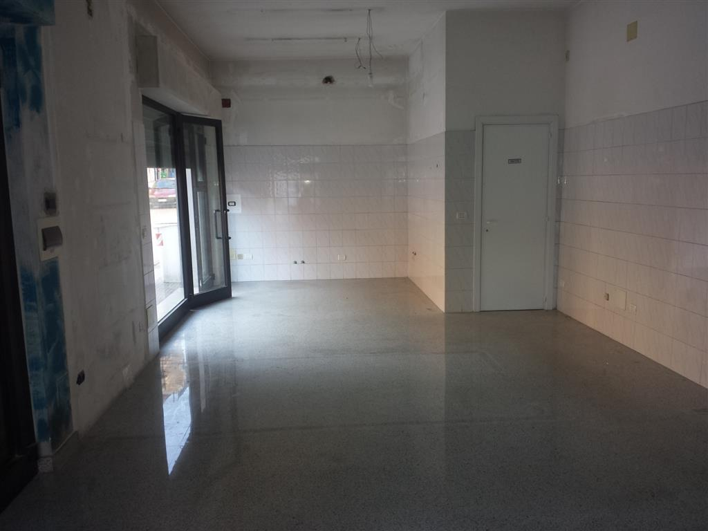 Immobile Commerciale in affitto a Sant'Elpidio a Mare, 9999 locali, zona Zona: Casette d'Ete, prezzo € 600 | CambioCasa.it