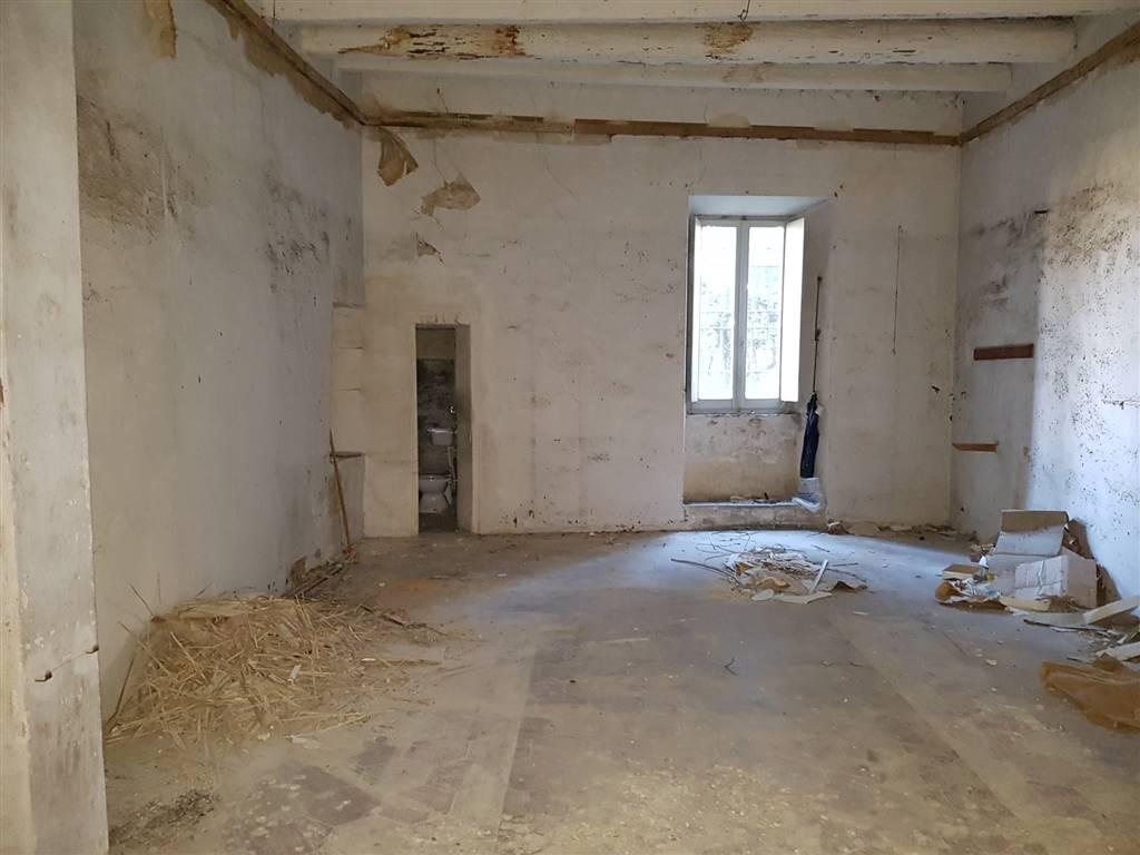Attività / Licenza in affitto a Fermo, 2 locali, prezzo € 550 | CambioCasa.it