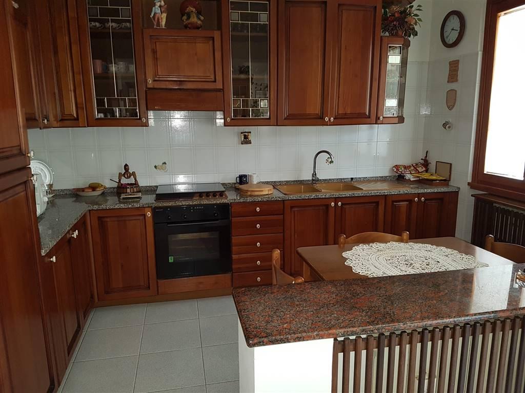 Soluzione Indipendente in vendita a Porto San Giorgio, 5 locali, prezzo € 250.000 | Cambio Casa.it
