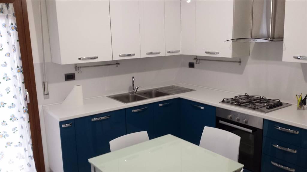 Appartamento in affitto a Civitanova Marche, 6 locali, Trattative riservate | CambioCasa.it