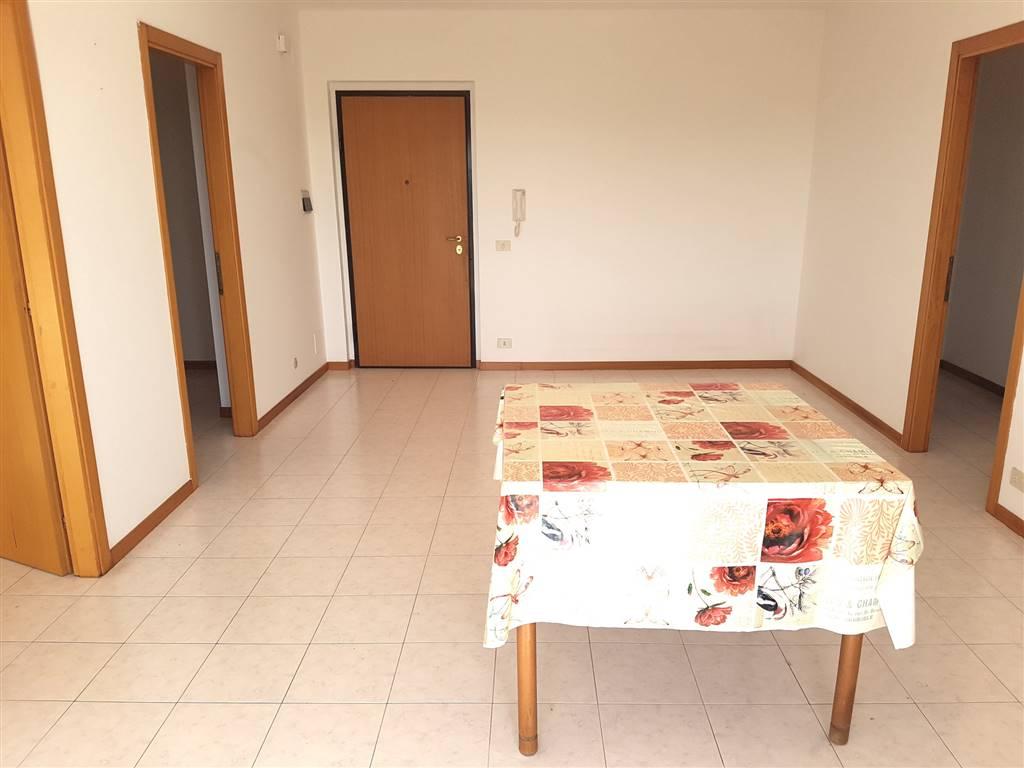 Appartamento in affitto a Altidona, 4 locali, zona Zona: Marina di Altidona, prezzo € 400 | CambioCasa.it