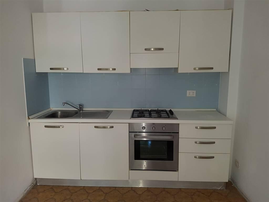 Appartamento in affitto a Civitanova Marche, 4 locali, prezzo € 500 | CambioCasa.it