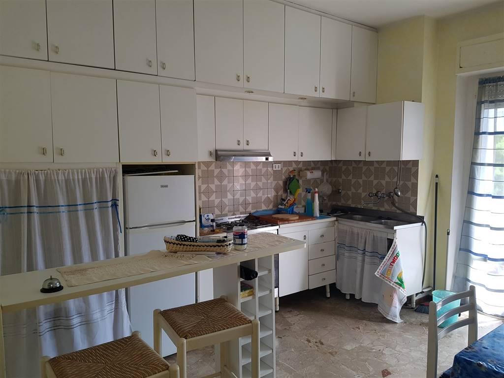 Appartamento in affitto a Fermo, 4 locali, zona Località: CASABIANCA DI FERMO, prezzo € 400 | CambioCasa.it