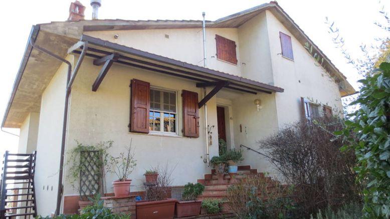 Villa in vendita a Siena, 12 locali, zona Zona: Periferia, Trattative riservate | Cambio Casa.it