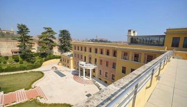 Attico / Mansarda in vendita a Siena, 5 locali, zona Zona: Semicentrale, prezzo € 1.300.000 | Cambio Casa.it