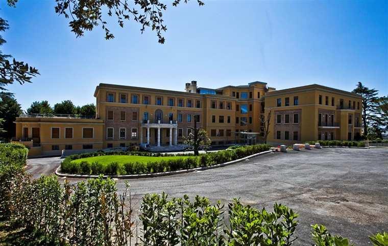Villa in vendita a Siena, 5 locali, zona Zona: Semicentrale, prezzo € 620.000 | Cambio Casa.it