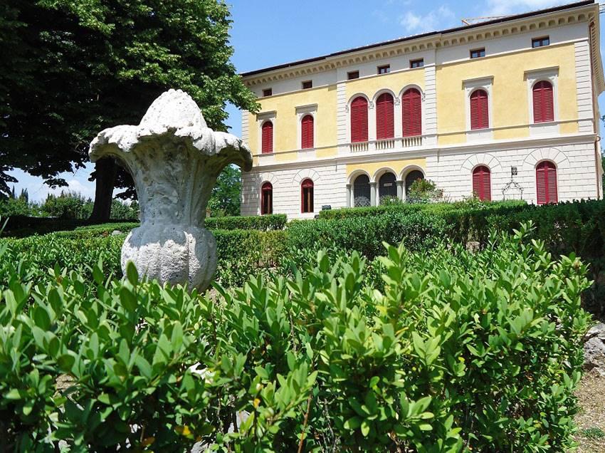 Villa in vendita a Siena, 40 locali, zona Zona: Periferia, Trattative riservate | Cambio Casa.it