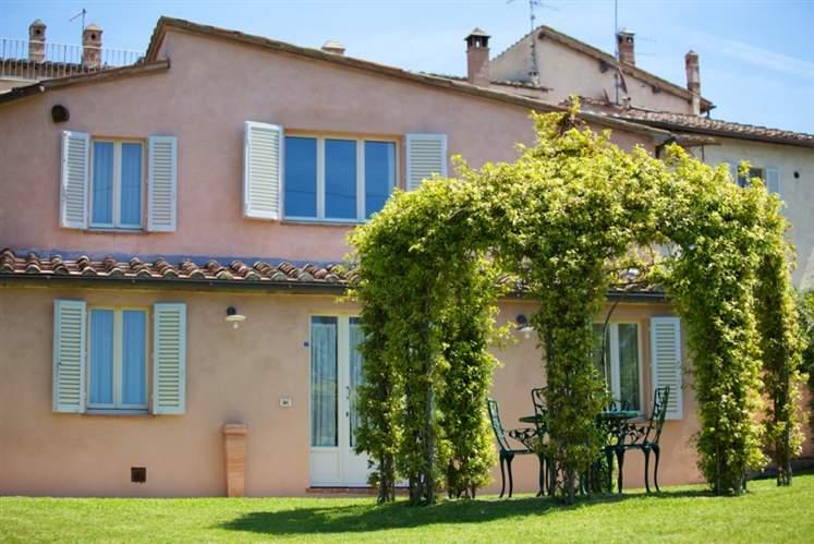 Villa in vendita a Siena, 6 locali, zona Zona: Semicentrale, Trattative riservate | Cambio Casa.it