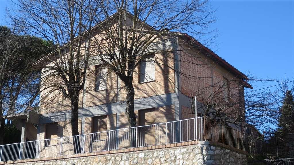 Villa in vendita a Siena, 11 locali, zona Località: SCACCIAPENSIERI, Trattative riservate | Cambio Casa.it
