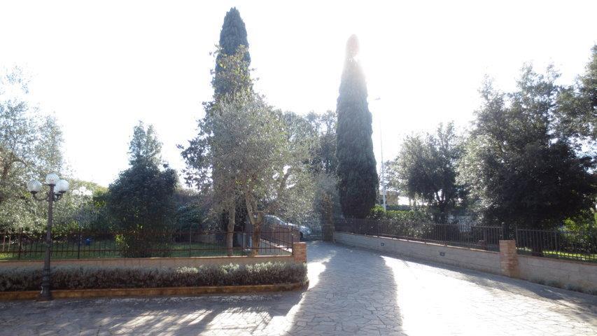 Villa in vendita a Castelnuovo Berardenga, 14 locali, prezzo € 520.000 | Cambio Casa.it