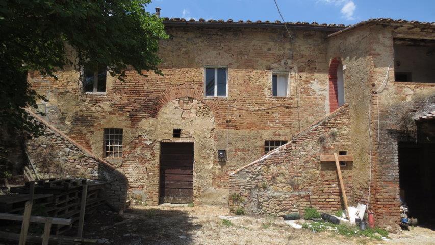 Rustico / Casale in vendita a Siena, 15 locali, zona Zona: Periferia, prezzo € 950.000 | CambioCasa.it
