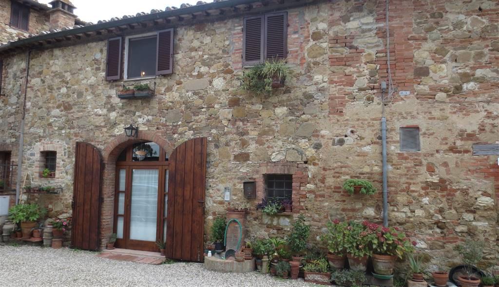 Rustico / Casale in vendita a Siena, 10 locali, zona Zona: Periferia, prezzo € 350.000 | CambioCasa.it