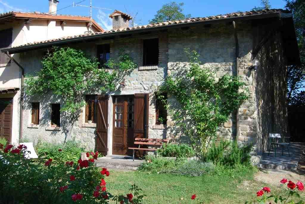Casa semi indipendente, Zuccarello, Montesegale