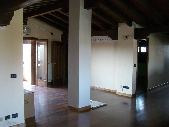Attico / Mansarda in vendita a Eraclea, 5 locali, zona Località: ERACLEA, prezzo € 180.000 | Cambio Casa.it