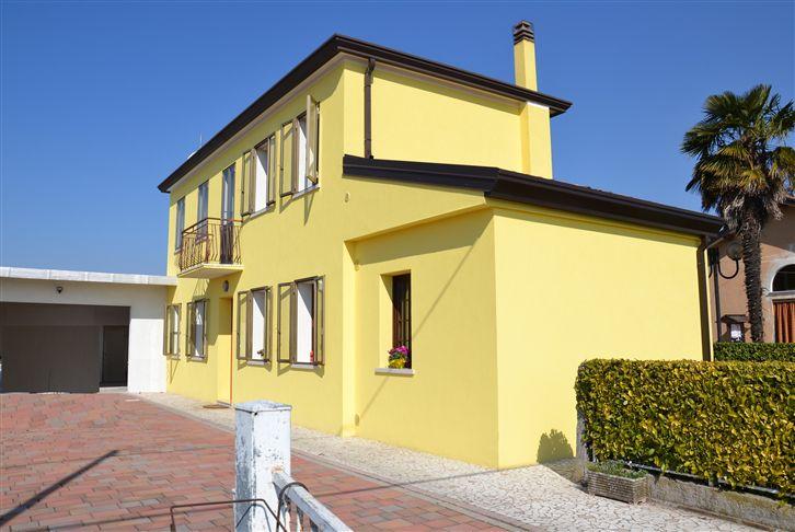 Soluzione Indipendente in vendita a Eraclea, 5 locali, zona Zona: Paluda, prezzo € 170.000 | CambioCasa.it