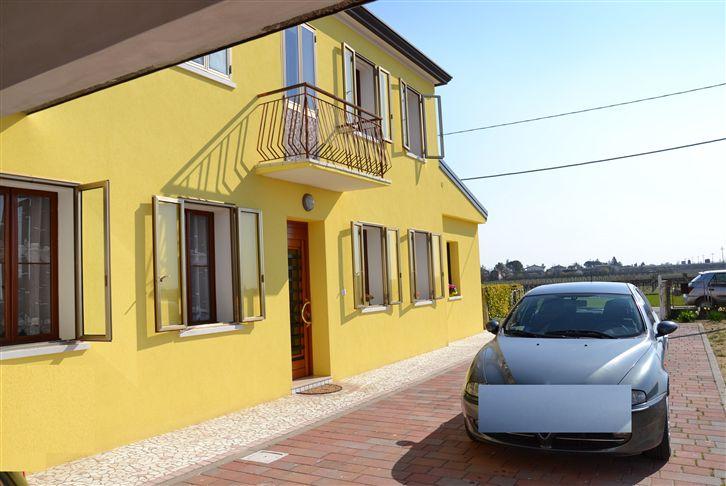 Soluzione Indipendente in vendita a Eraclea, 5 locali, zona Zona: Paluda, prezzo € 195.000 | Cambio Casa.it