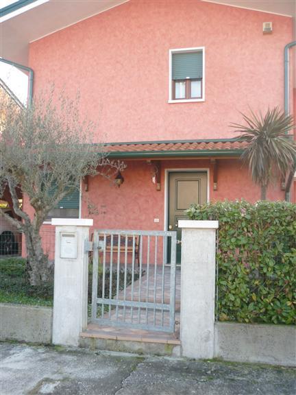 Villa a Schiera in vendita a Eraclea, 5 locali, prezzo € 190.000 | Cambio Casa.it
