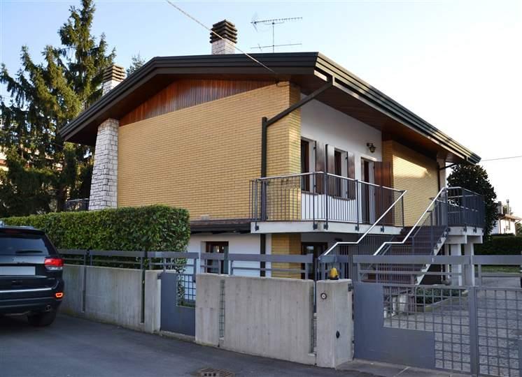 Villa in vendita a Eraclea, 7 locali, prezzo € 270.000 | CambioCasa.it